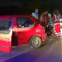 Frontale sulla Novedratese  Jeep nel fosso, donna ferita