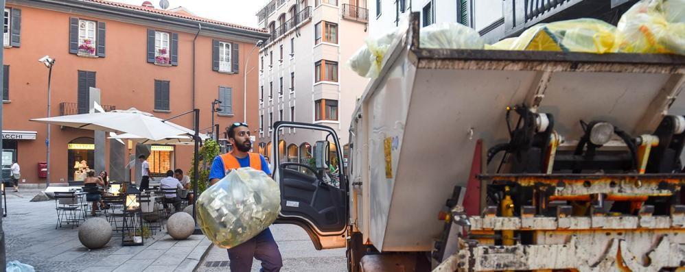 Como, raccolta rifiuti Entrate in vigore le novità  Guarda cosa è cambiato