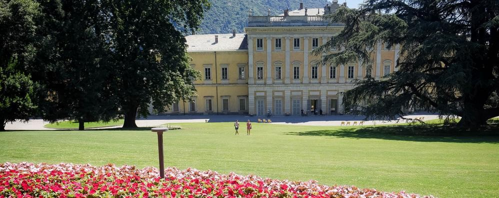 Como, Villa Olmo  Il parco apre e richiude