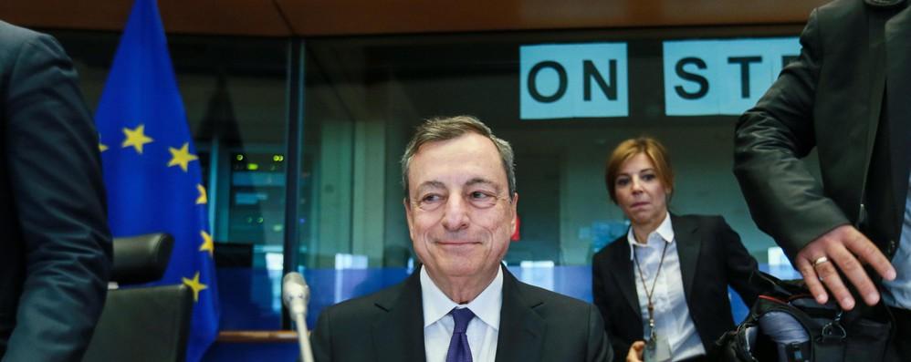 Draghi al Parlamento europeo: Da Roma aspettiamo fatti prima di giudicare