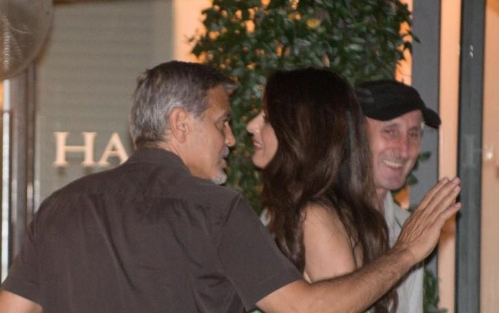 Incidente per Clooney in Sardegna Contro un'auto con lo scooter
