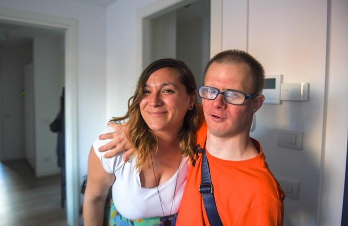 Tomaso Bonanomi,con l'educatrice Elisa Valsecchi