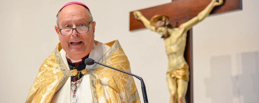 La Lega critica il vescovo  «Sui migranti fa politica»