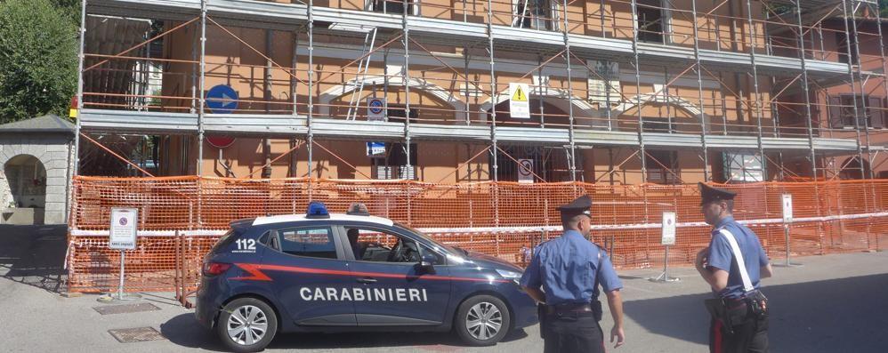 Centro civico, lavori sospesi  dopo l'infortunio all'operaio