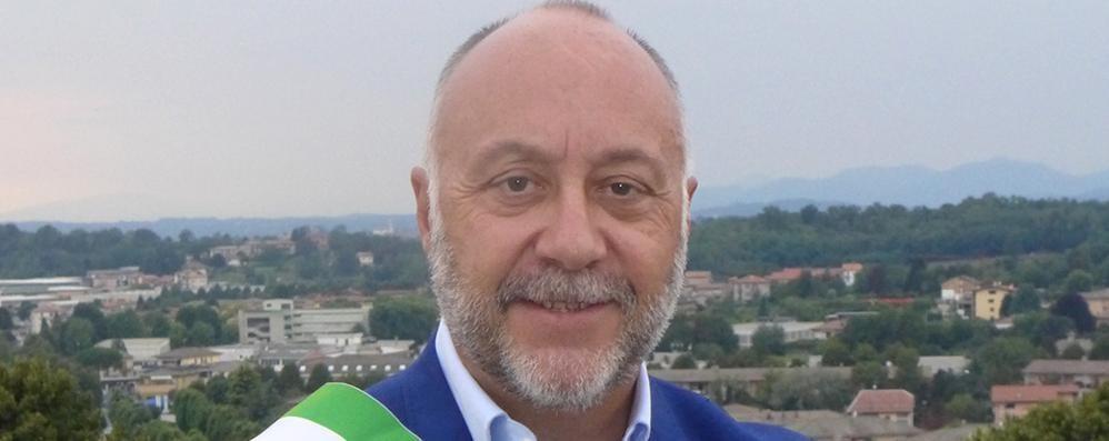 «Non mi dimetto, niente commissario»  Arosio decade da sindaco a settembre