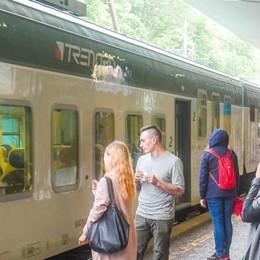 Treni, ritardi e proteste per i lavori