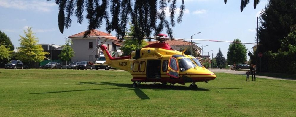 Ciclista ferito a Carugo  Morto poco dopo  in ospedale