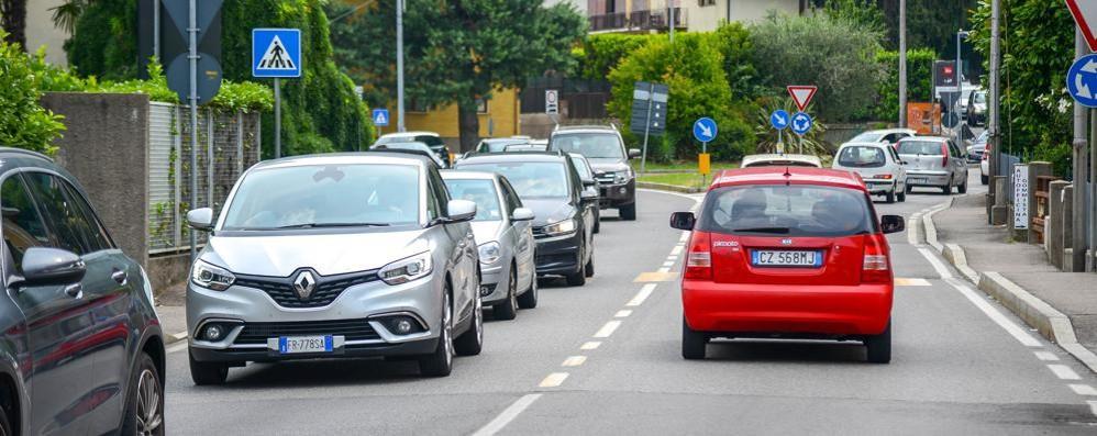 Como, Via Bixio, una nuova chiusura  Da stasera i lavori per l'asfalto