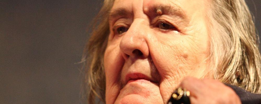 Poetessa a vanvera  Alda Merini  e il mito del nulla