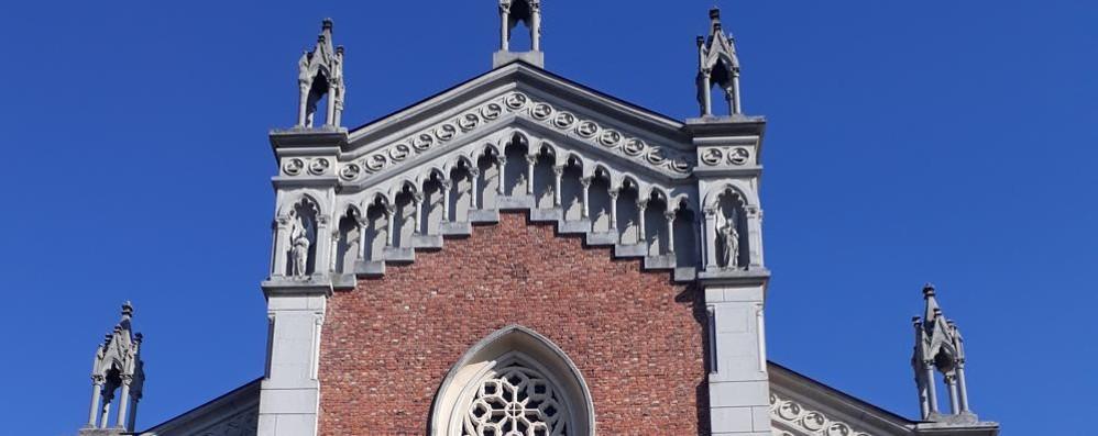 «Chiedeva l'elemosina  vicino alla chiesa a Cantù  Maltrattato dai vigili»