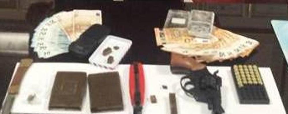Maxi blitz contro lo spaccio di droga  Tre arresti e licenza sospesa a un bar