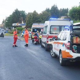 Incidente a Villa Guardia  Due ragazze e una donna investite