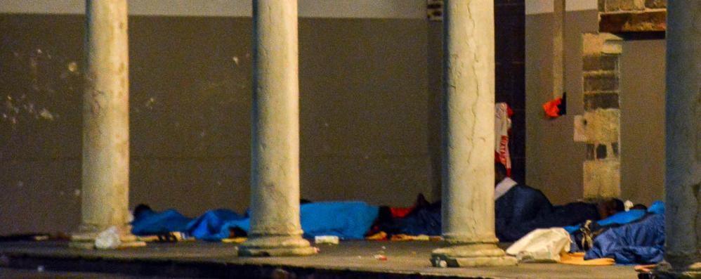 Malik dorme sotto i portici: «Qui siete buoni»
