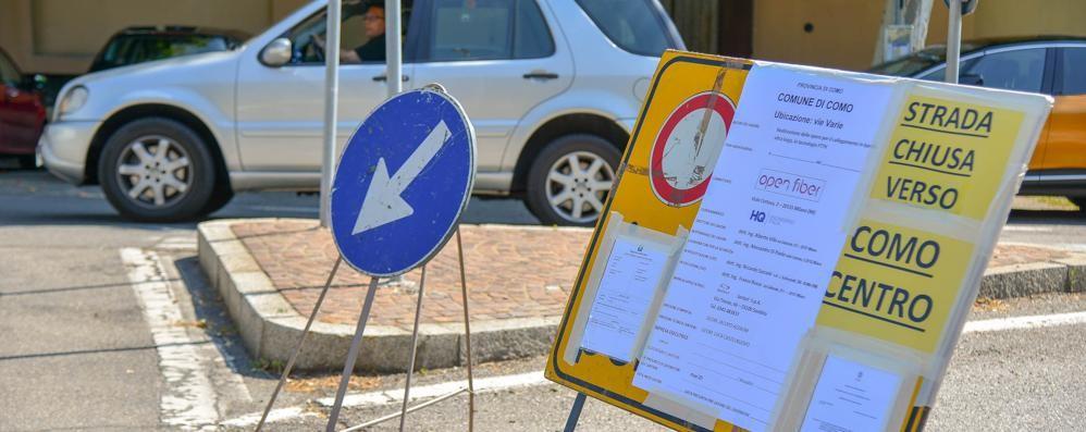 Via Bixio a senso unico E in città il traffico impazzisce