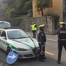 In moto senza patente e assicurazione  Multa da settemila euro e confisca