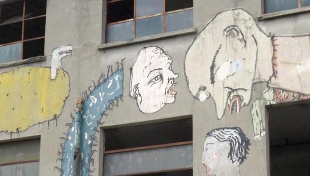 Erba, blitz dei vandali con lo spray  I vigili: «Sorvegliamo le strade»