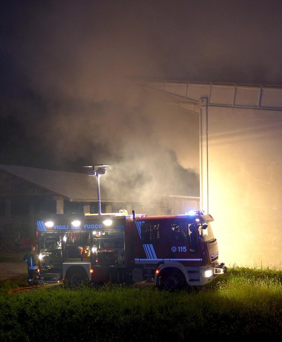 I mezzi dei pompieri alla fattoria