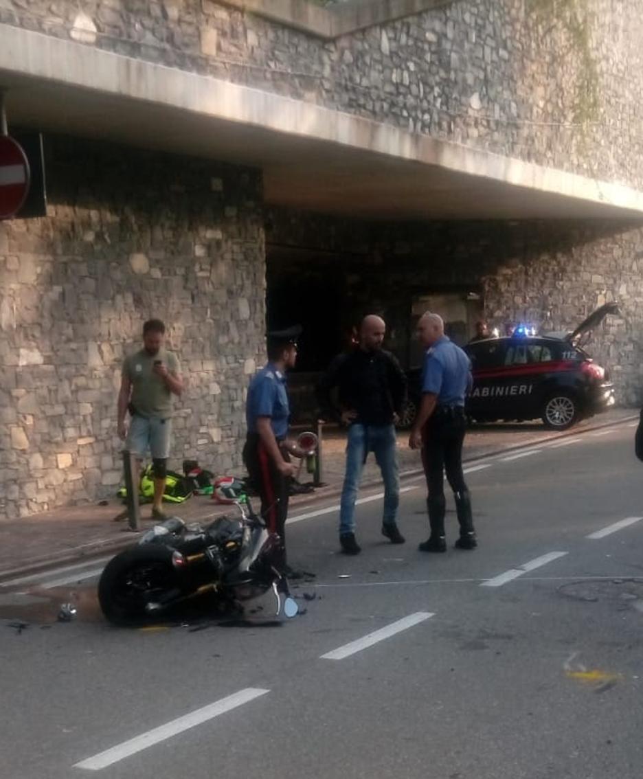 I rilievi dell'incidente a cura dei carabinieri