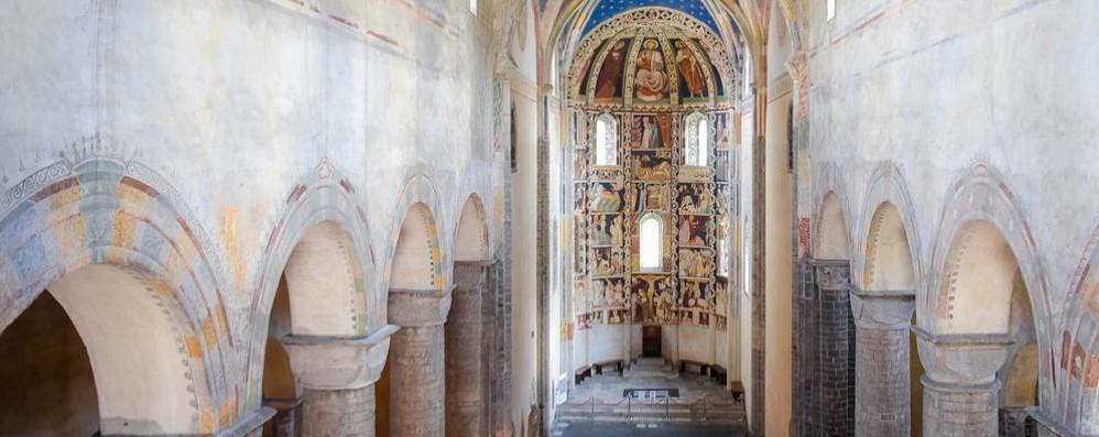 «Como si è scordata  di Sant'Abbondio  Salviamo la basilica»