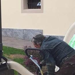 Olgiate, sono disoccupati  Il Comune li aiuta facendoli lavorare