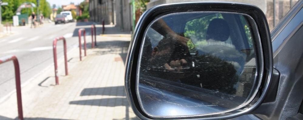 Appiano, fallisce la truffa  dello specchietto