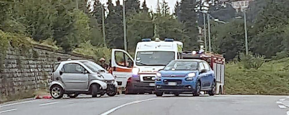 Incidente a Lurago d'Erba  Si ribalta con l'auto: illeso