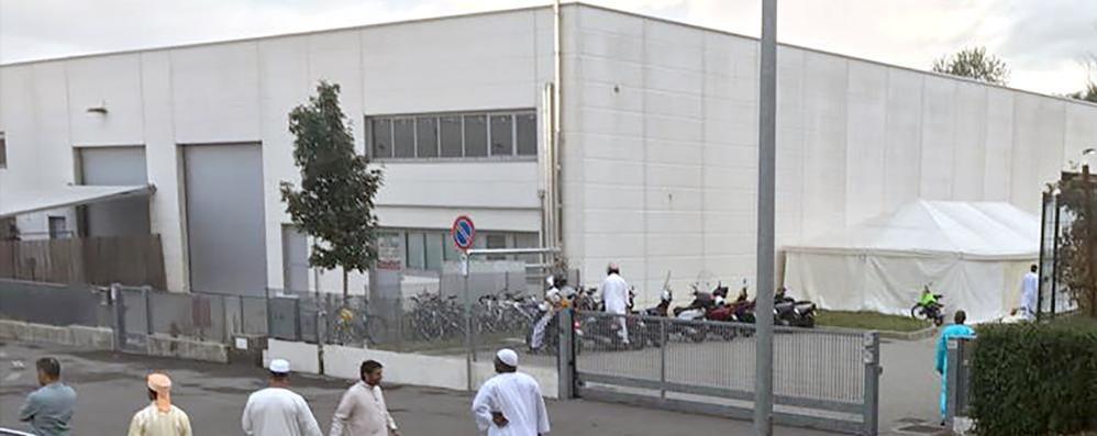 «Un capannone industriale  non può essere moschea»  Cantù, il Comune vince al Tar