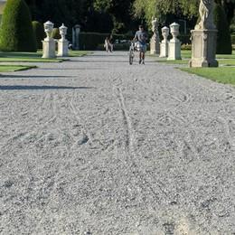 Villa Olmo, parco vietato alle carrozzine