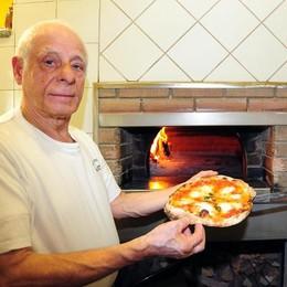 L'addio di Como a Benito  Il popolo della notte perde il suo pizzaiolo