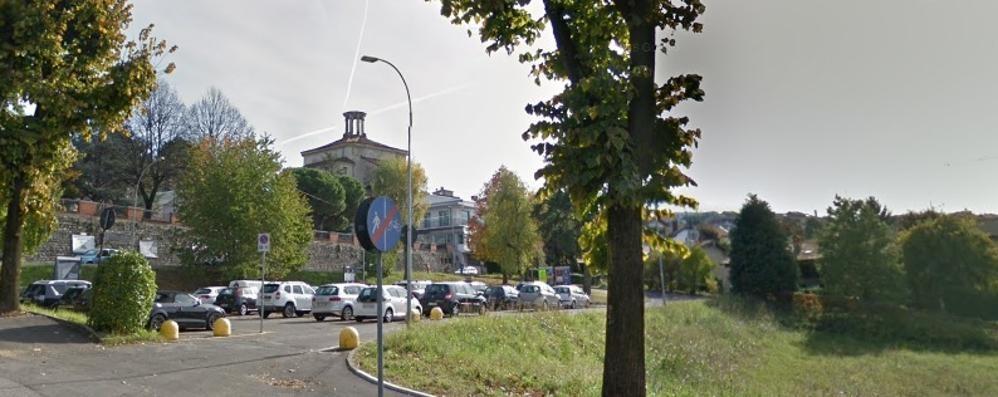 Cantù, parcheggio multipiano  Per i carabinieri e i vigili