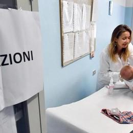 Como: vaccini, stop all'obbligo  «Così i nostri figli   in aula rischiano la vita»