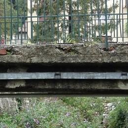 Barni, questo ponte va a pezzi  «Impossibile salvarlo, va abbattuto»
