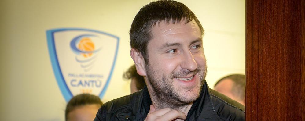 Dmitry cede la maggioranza   (Ri)lasciandola a  se stesso