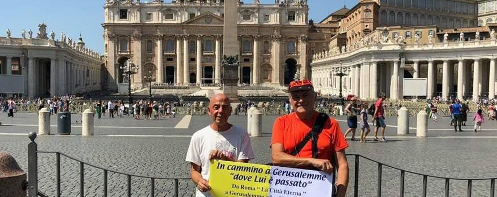 L'impresa di Tarasconi  «Sto andando a piedi  verso Gerusalemme»