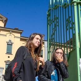 """Primo giorno di scuola   Sui banchi solo i """"millennials"""""""