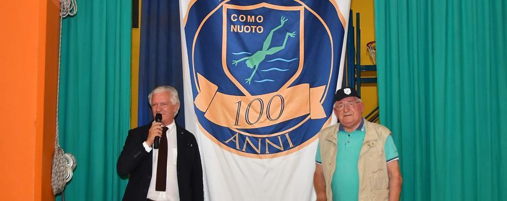 Cin-cin Como Nuoto  Via alla festa dei 100 anni