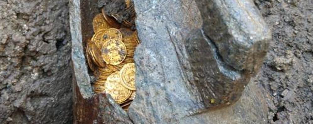 Como e le monete d'oro, il sindaco: «Tesoro della città, deve restare qui»