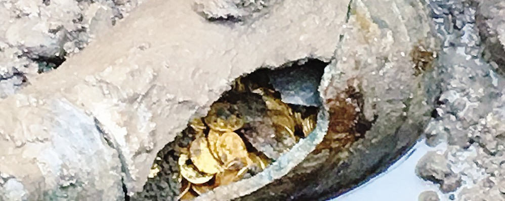 Tesoro milionario in monete d'oro