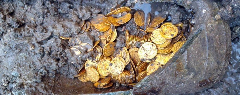 Trecento monete romane d'oro «Un ritrovamento storico»