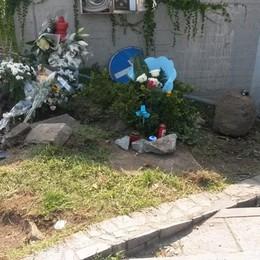 Guanzate, lutto cittadino   per i ragazzi morti in auto