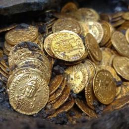 Monete d'oro, Como sogna. Ma si è dimenticata la città sotterranea