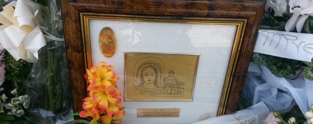 Ragazzi morti a Guanzate  «Che mancanza di rispetto  festeggiare con i fuochi»