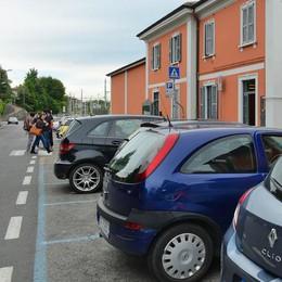 Fino, compromesso sui parcheggi  Se ne salvano 25 in zona stazione