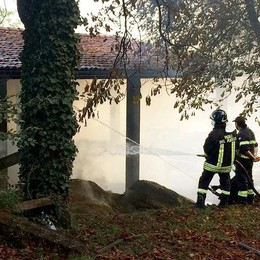 Incendio a Carimate Allarme all'azienda Calvi