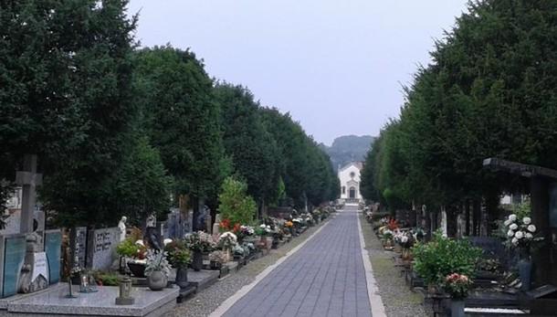 Mariano, colpo di notte al cimitero  Ladri avvistati e fuga a mani vuote