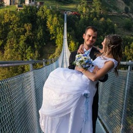 "Mary e Gabriele, che amore  Sospesi sul ""Ponte nel cielo"