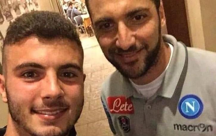 Cutrone e quel selfie con Higuain E la foto diventa virale sui social