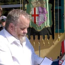 Le Iene contro Pietro Castagna  Assalto con microfono in centro