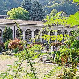 Cimitero monumentale  Lavori fermi e disordine
