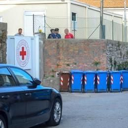 Como, centro migranti di via Regina  Vertice a Roma: «Chiusura entro 3 mesi»
